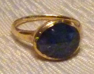 Cheapside_sapphire_ring