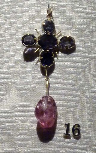 Cheapside_amethyst_earring